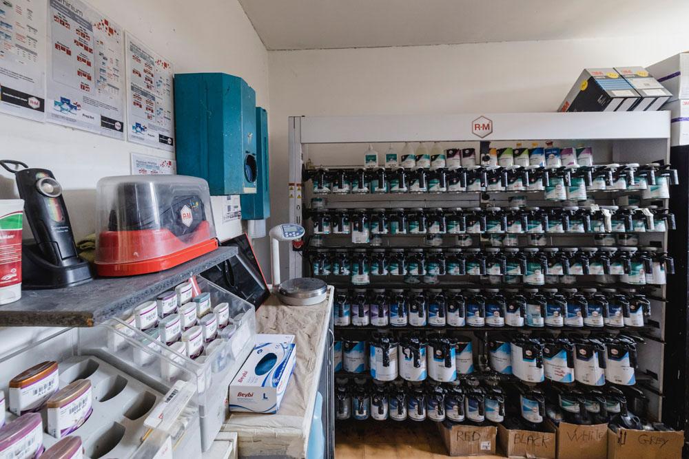 Laboratoire de peinture hydrodiluable (écologique)