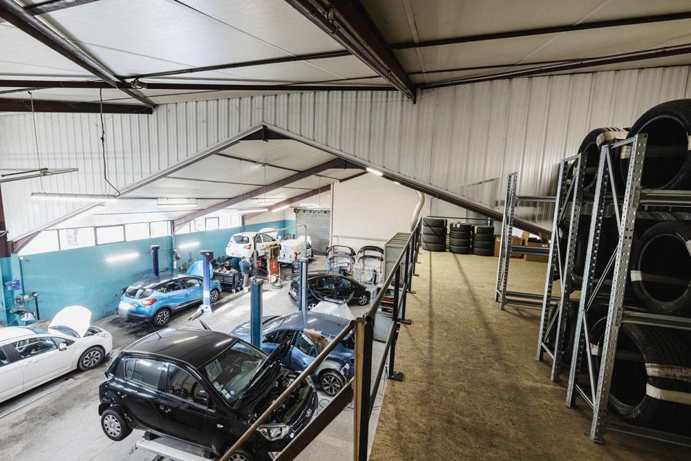 Espace dédié au gardiennage des pneumatiques été/hiver des clients